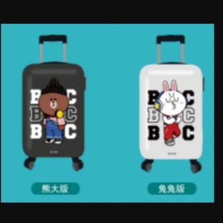 熊大行李箱(左圖)