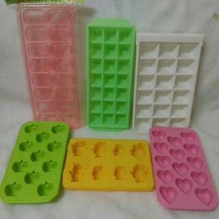 【二手】造型結冰果凍盒 製冰盒 矽膠果凍模 冰塊模型 居家製冰盤 蘋果 愛心 可愛動物造型