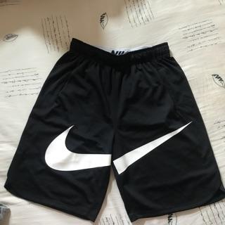 二手 NIKE KIDS Big Nike SHORT VENT GFX 運動短褲 831150-010 XL