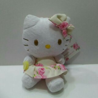 Hello kitty Laura Ashley 聯名吊飾