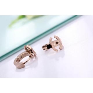 雙C同款耳環 鈦鋼耳環 歐美耳環 專櫃同款 小香耳環 Chanel香奈兒同款 易扣圓環磨砂雙C耳環不過敏 不褪色 不鏽鋼