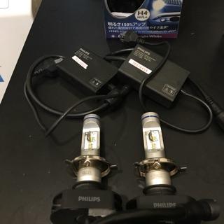 飛利浦 H4 LED 超白光 燈泡 X-treme Ultinon超晶亮LED H4頭燈兩入裝