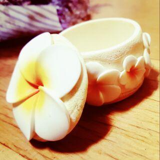 油桐花裝飾小罐