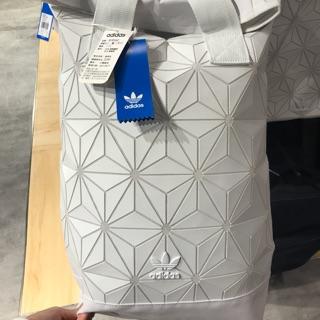 Adidas 三宅ㄧ生後背包白色