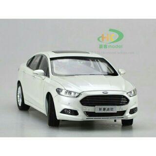 < FORD NEW MONDEO > 1:18 合金汽車模型