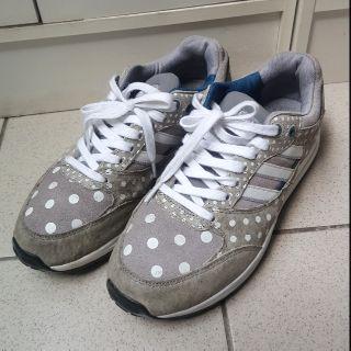 正品adidas點點灰慢跑鞋