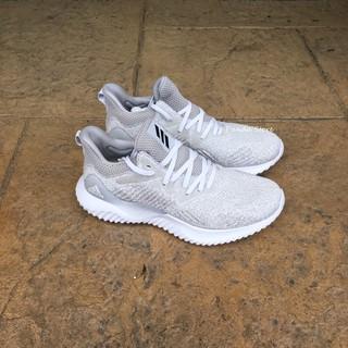 胖達)Adidas AlphaBounce X RC聯名 愛迪達 慢跑鞋 DA9975 灰白 男款