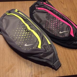 Nike 慢跑包 運動腰包 潮包 NRL91049OS 黑桃 灰黃