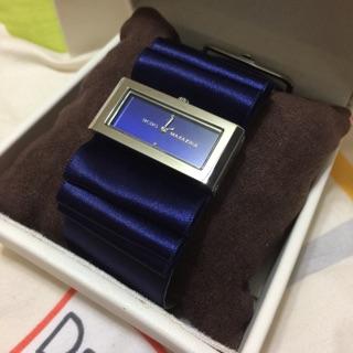 BCBG 寶藍緞帶錶