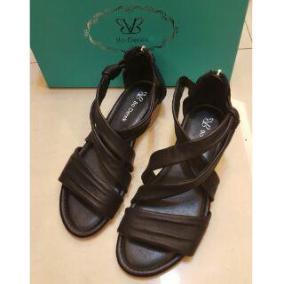 Bo Derek 全新黑色羅馬涼鞋 37號