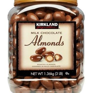 好市多免運費到府 Kirkland Signature 科克蘭 杏仁巧克力 1.36公斤