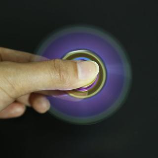 炫彩三角铝蟹指尖陀螺 fidget spinner減壓陀螺hand spinner