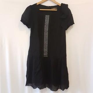 二手衣⭐百貨專櫃克萊亞KERAIA黑色鉚釘絲質洋裝(櫃265)