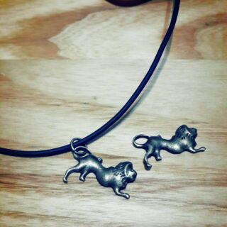 獅子皮繩項鍊