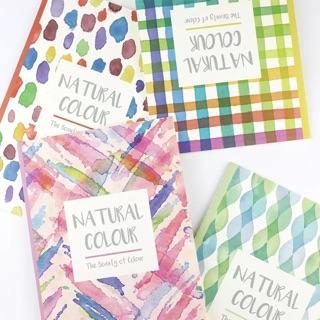 閨蜜上課也要小心機!自然色彩點點渲染超美筆記本
