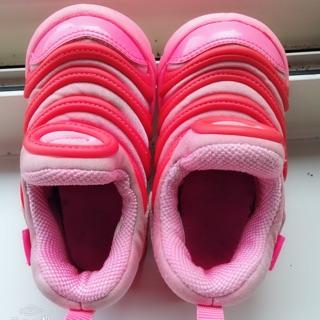 Nike 毛毛蟲鞋 內長12cm (二手)