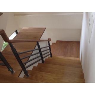 木扶手與木樓梯板