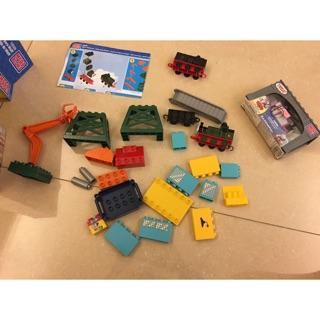 湯瑪士小火車 積木 mega bloks 32片  送迪索和蘿絲 /樂高可參考