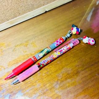 日本限定hello kitty筆