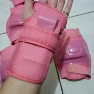 兒童滑輪護具 護膝護肘護掌 直排輪護具 運動護具 溜冰護具 粉紅色 兒童適用 護具套裝