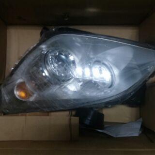 Opel astra h頭燈