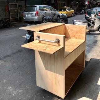 • 感謝台中市設計工作室團隊訂製原木攤車1台 •
