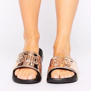✨Superdry 玫瑰金拖鞋✨
