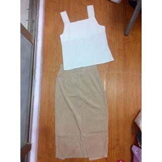 棉麻白色方領背心+杏色長裙