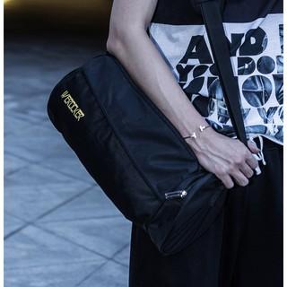 男包健身包輕便圓筒斜挎包圓桶包訓練包運動包旅行背包男女手提包
