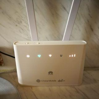 華為 4G路由器(插4G卡WIFI吃到飽)