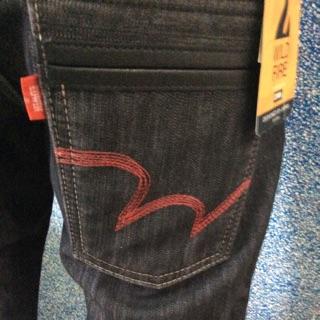 EDWIN修身直筒牛仔褲(紅線黑底褲)