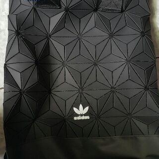 adidas 三宅一生 後背包