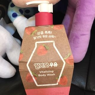 韓國草莓 沐浴乳 買太多故出售