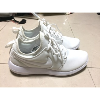 WMNS Nike Roshe two 全白 慢跑鞋
