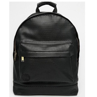 Mi-PAC perforated backpack黑白顆粒壓紋後背包