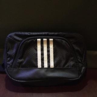 adidas愛迪達黑色腰包