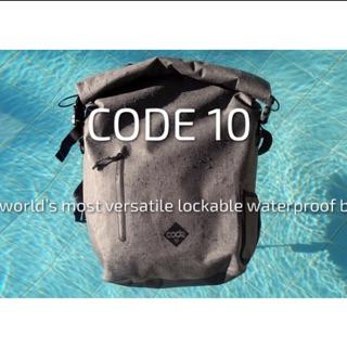 英國 CODE 10 型格防盜防水多功能背包