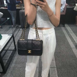Chanel 金扣肩包