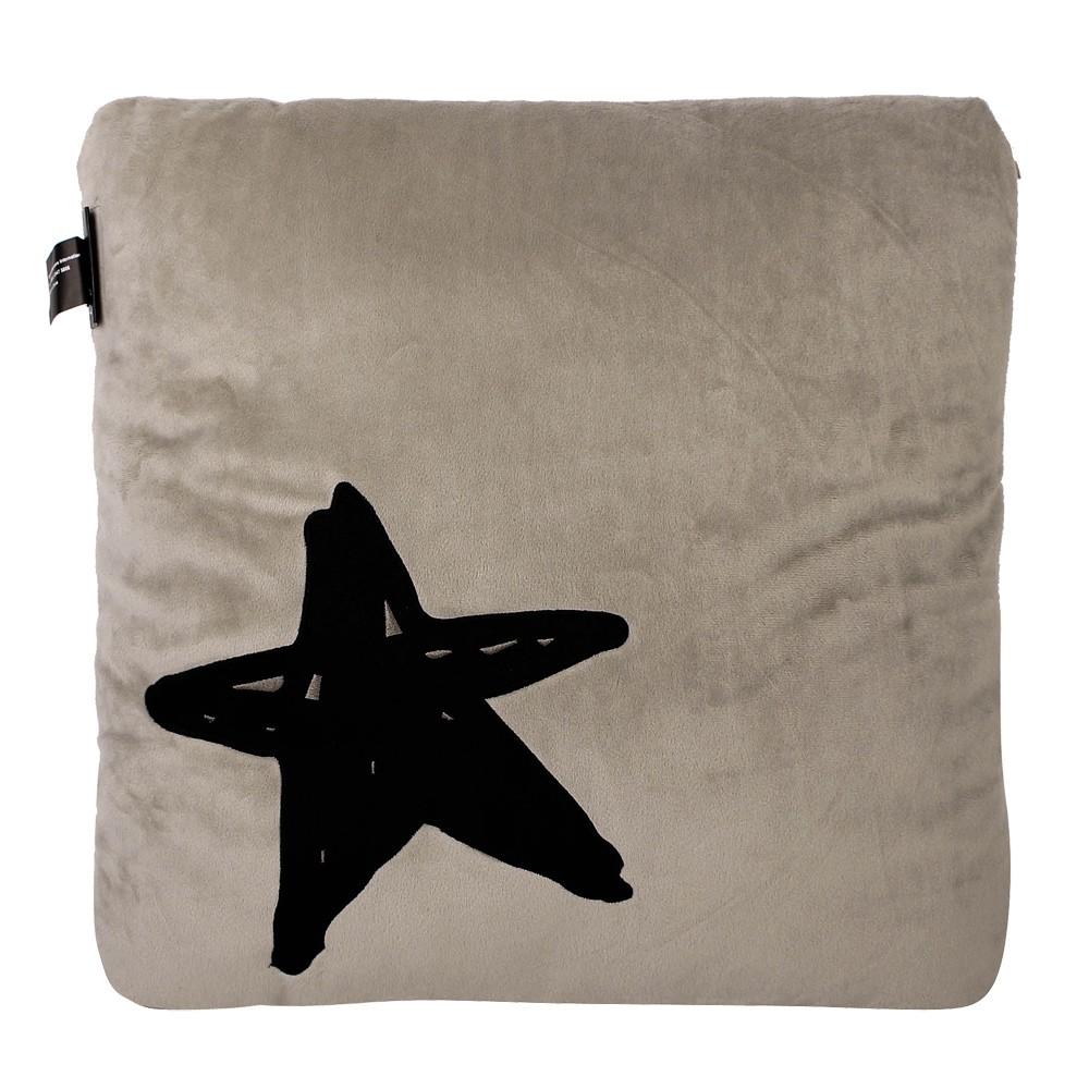 【購名牌】agnes b. b logo星星圖案方型抱枕(米灰色)