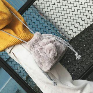 毛毛水桶包 兔子造型包包