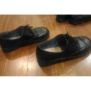 學生皮鞋 24碼