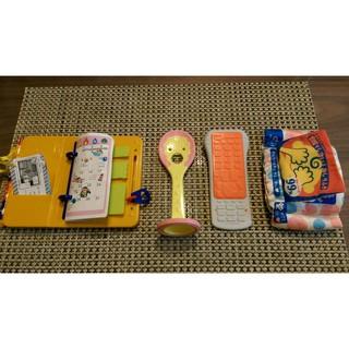 日本 PEOPLE 玩具 (遙控器、寶寶的飯匙咬舔玩具及記事本手冊玩具、固齒器)