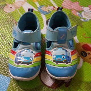 Tayo鞋子