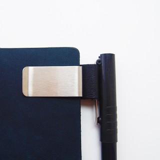 〖 SNOW PEN 〗現貨 Traveler's Notebook tn旅行者筆記本手帳金屬黃銅牛皮筆夾(二色)