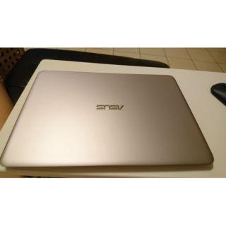 ASUS UX305LA, I7-5500U, 8GB, 256GB SSD 剩2年保固