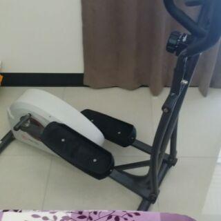 滑步機(橢圓交叉訓練機)