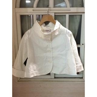 CUMAR白色斗篷式短版小外套