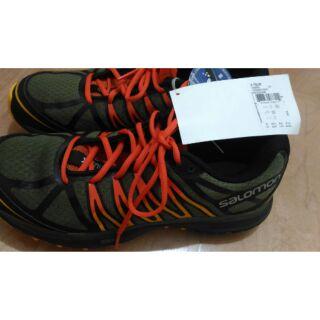 全新正貨 歐洲頂尖戶外品牌salomon  男城市跑鞋 27.5碼 輕量好穿透氣網 顏色好看 美國帶回只有一雙。歡迎聊聊