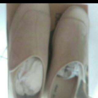 全新La new㍿ 真皮護士鞋 包腳鞋 學生鞋 24.5