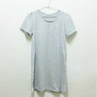 特價⚡️灰色長版素T